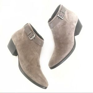 Aquatalia taupe beige suede ankle sz 9 booties NEW